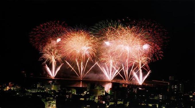 2014年7月21日(月) - 8月29日(金) @静岡 夏季 熱海海上花火大会