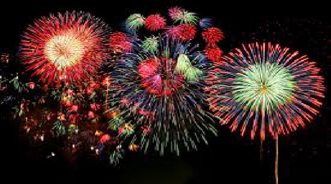 宮崎県の夏祭りトップバッター!5000発が夜空を飾る